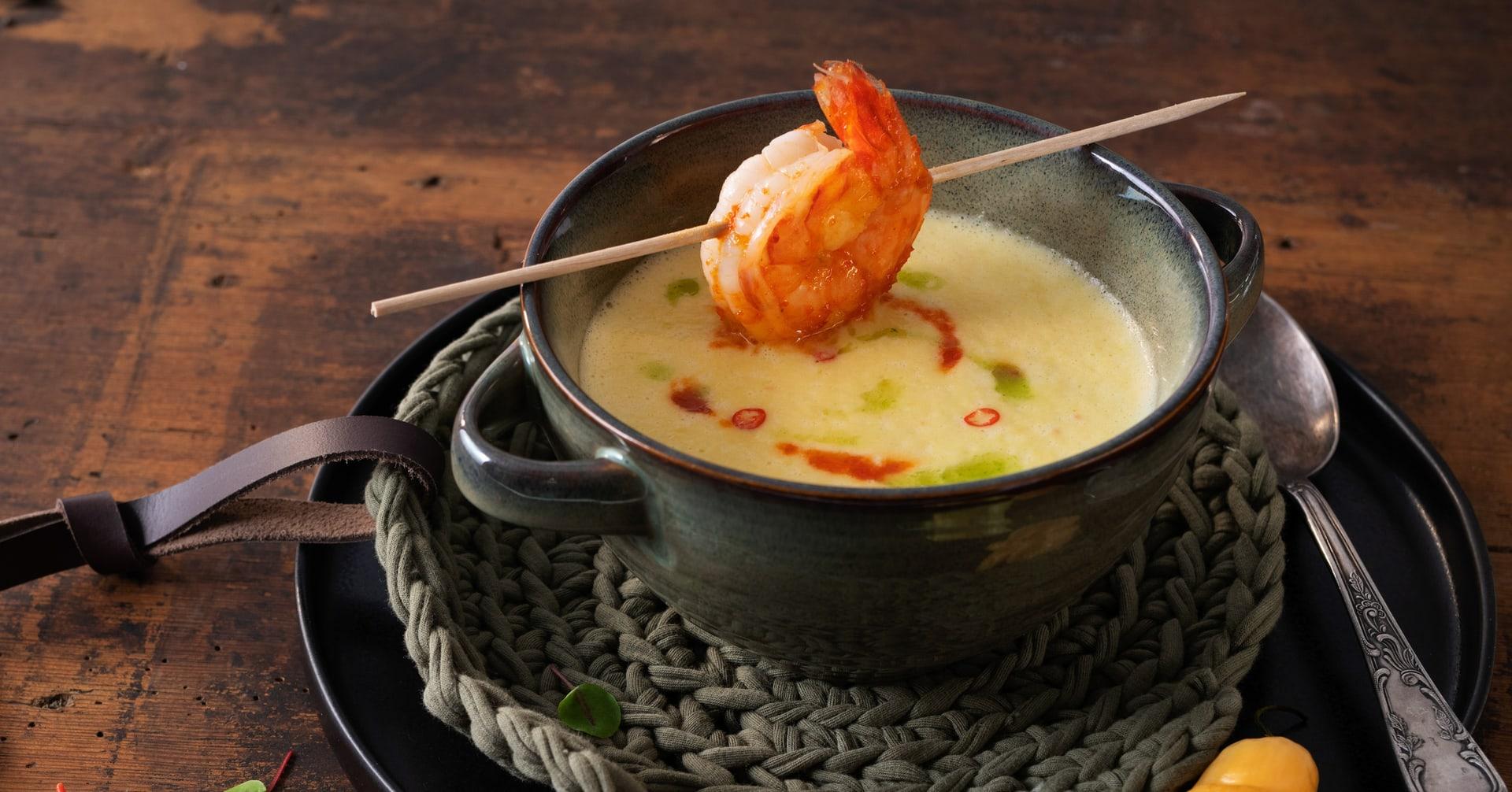 FEUERzeug Paprika-Schaumsuppe mit Garnelen
